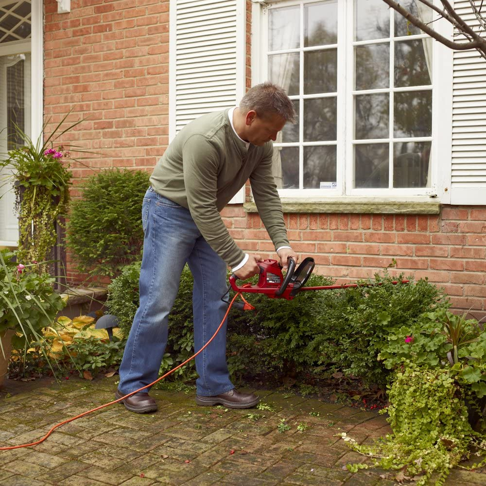 Toro 51490 Corded Hedge Trimmer in action