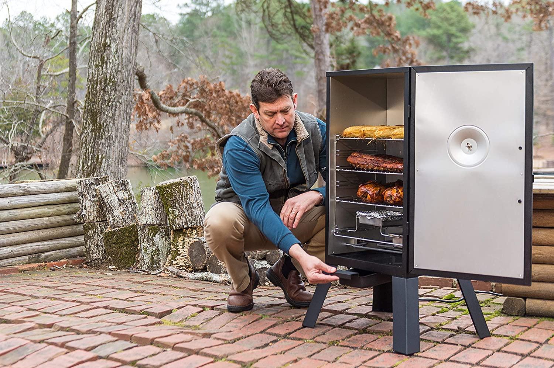 Masterbuilt MB20070210 Analog Electric Smoker outdoor